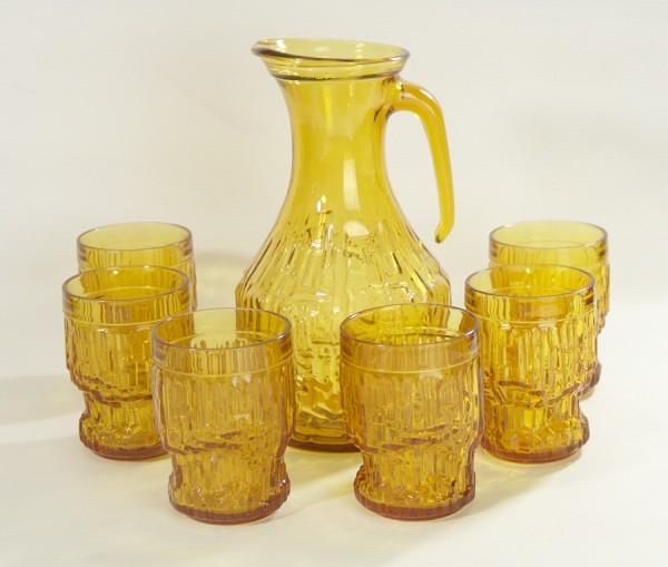 60er Jahre Pressglas Saftkrug + 6 Gläser Bernstein/Honigfarben Limonade