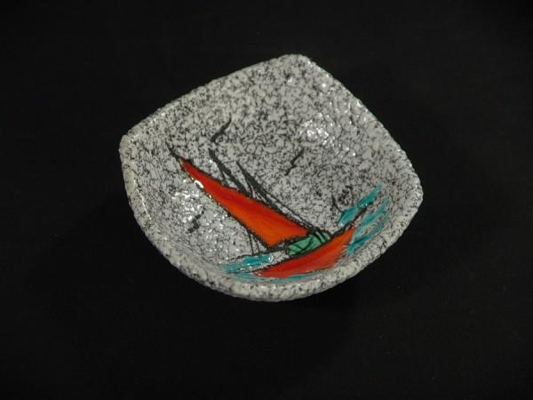 50er Jahre Keramik Schälchen - Schrumpfglasur - Segelschiff