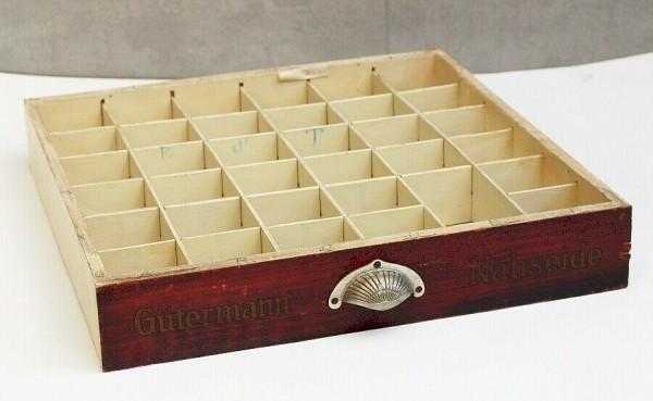 Schublade mit Muschelgriff - Gütermanns Nähseide